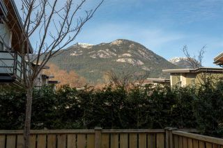 """Photo 16: 38343 SUMMIT'S VIEW Drive in Squamish: Downtown SQ Townhouse for sale in """"NATURE'S GATE EAGLEWIND"""" : MLS®# R2327010"""
