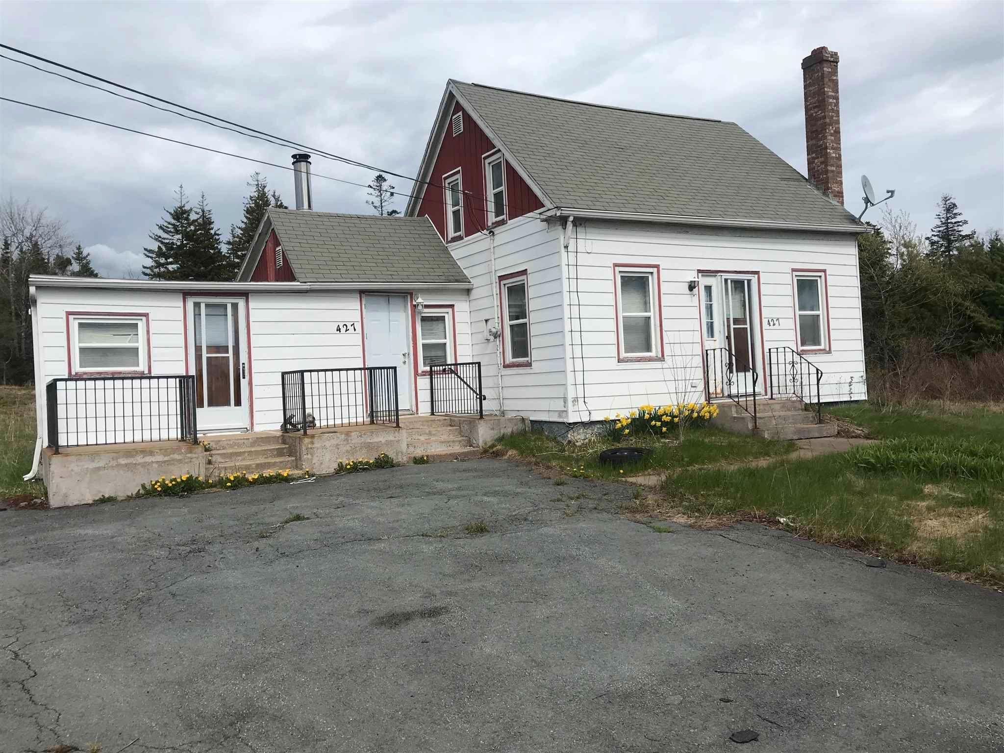 Main Photo: 427 Pockwock Road in Hammonds Plains: 21-Kingswood, Haliburton Hills, Hammonds Pl. Residential for sale (Halifax-Dartmouth)  : MLS®# 202111850