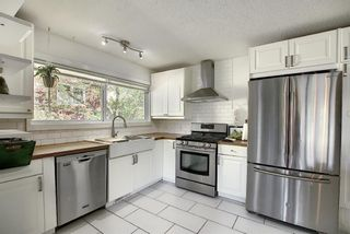 Photo 2: 643 WILLOWBURN Crescent SE in Calgary: Willow Park Detached for sale : MLS®# A1085476