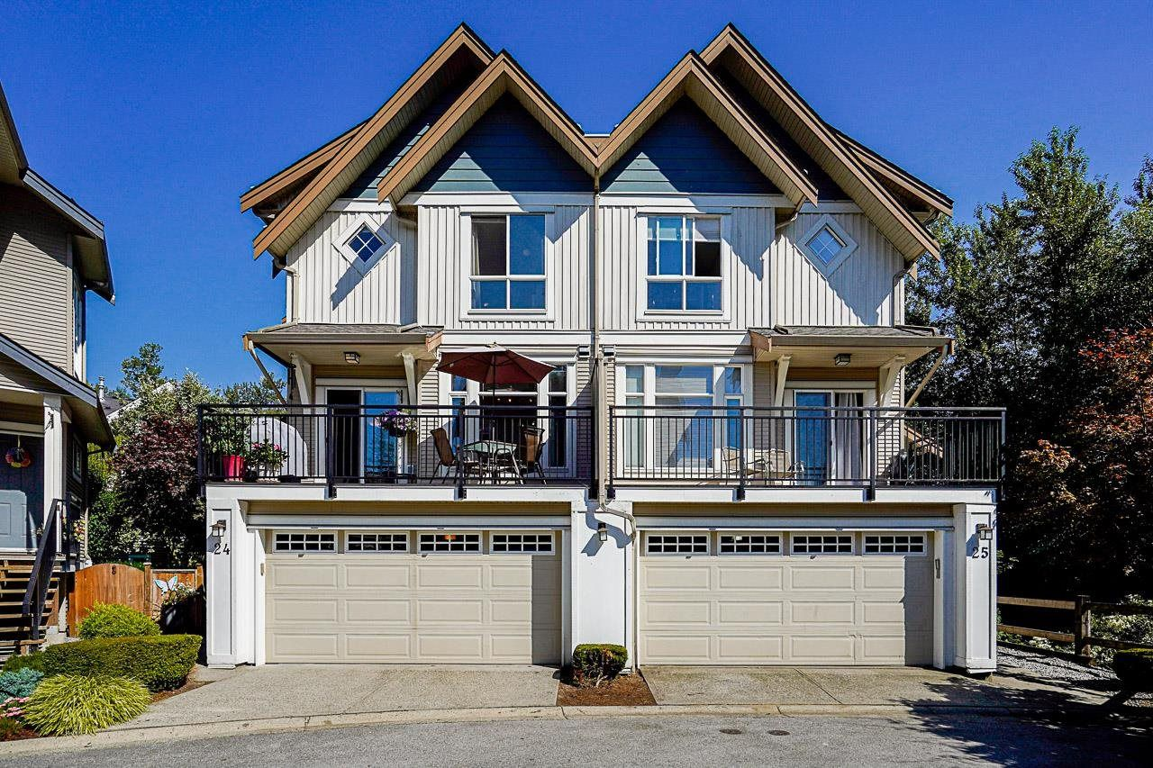 """Main Photo: 24 20120 68 Avenue in Langley: Willoughby Heights Townhouse for sale in """"The Oaks"""" : MLS®# R2599788"""