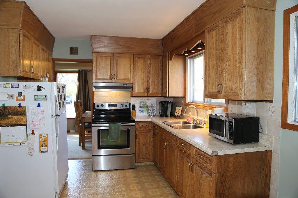 Photo 17: Photos: 407 Wallasey Street in WINNIPEG: Grace Hospital Area Single Family Detached for sale (West Winnipeg)  : MLS®# 1426170