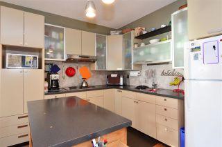 Photo 17: 15376 COLUMBIA Avenue: White Rock House for sale (South Surrey White Rock)  : MLS®# R2032006