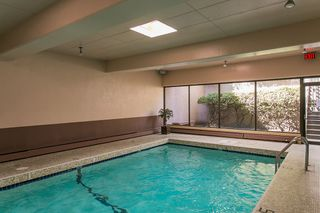 """Photo 17: 801 555 13TH Street in West Vancouver: Ambleside Condo for sale in """"PARKVIEW TOWERS"""" : MLS®# R2105654"""