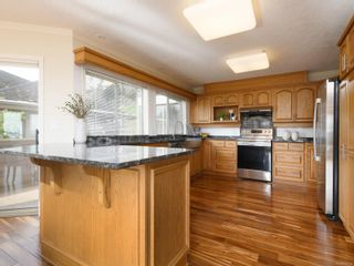 Photo 11: 985 Seapearl Pl in : SE Cordova Bay House for sale (Saanich East)  : MLS®# 874108