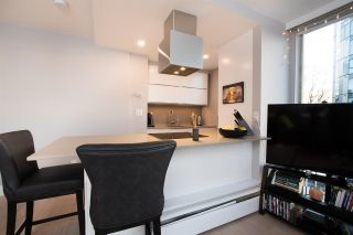 """Photo 13: 402 1250 BURNABY Street in Vancouver: West End VW Condo for sale in """"The Horizon"""" (Vancouver West)  : MLS®# R2529902"""