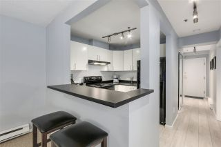 """Photo 7: 1 1038 W 7TH Avenue in Vancouver: Fairview VW Condo for sale in """"THE SANTORINI"""" (Vancouver West)  : MLS®# R2237336"""
