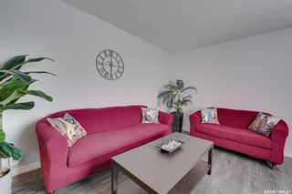 Photo 4: 222 Witney Avenue South in Saskatoon: Meadowgreen Residential for sale : MLS®# SK840959