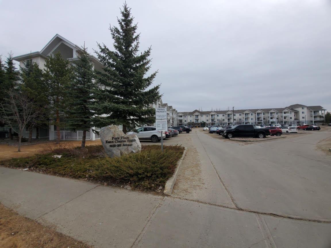 Main Photo: 235 9525 162 Avenue in Edmonton: Zone 28 Condo for sale : MLS®# E4235206