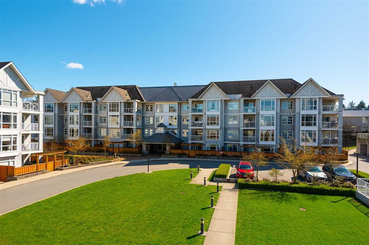 """Main Photo: 405 3148 ST JOHNS Street in Port Moody: Port Moody Centre Condo for sale in """"SONRISA"""" : MLS®# R2597044"""