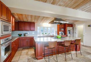 Photo 4: LA JOLLA House for sale : 5 bedrooms : 8051 La Jolla Scenic Dr North