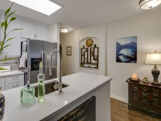 Photo 7: 404 6745 STATION HILL COURT in Burnaby: South Slope Condo for sale (Burnaby South)  : MLS®# R2445660