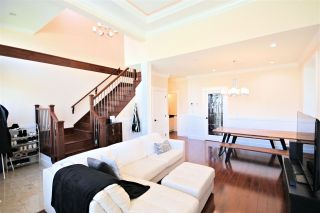 "Photo 5: 6212 NEVILLE Street in Burnaby: South Slope 1/2 Duplex for sale in ""South Slope"" (Burnaby South)  : MLS®# R2570951"