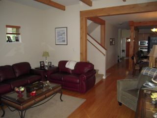 Photo 4: 5447 WAKEFIELD ROAD in Sechelt: Sechelt District House for sale (Sunshine Coast)  : MLS®# R2047962