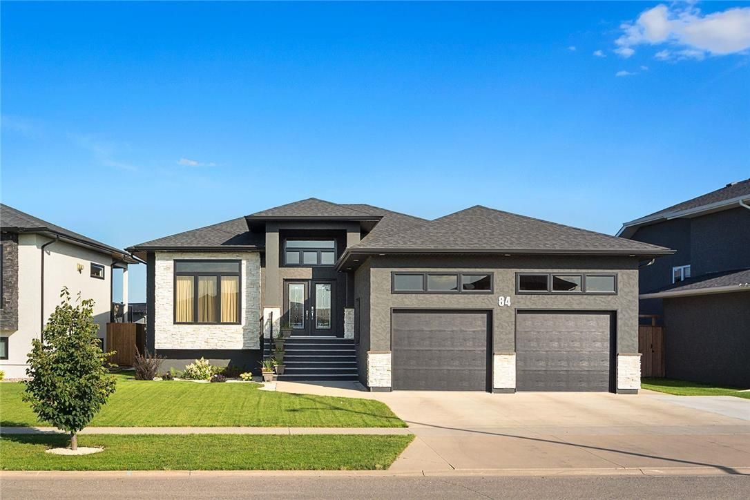 Main Photo: 84 Lakeview Drive in Brandon: House for sale : MLS®# 202120292