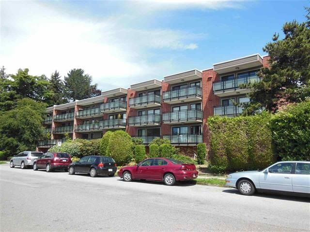 "Photo 2: Photos: 312 360 E 2ND Street in North Vancouver: Lower Lonsdale Condo for sale in ""EMERALD MANOR"" : MLS®# R2135102"