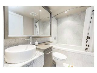 """Photo 7: 2310 833 SEYMOUR Street in Vancouver: Downtown VW Condo for sale in """"CAPITOL RESIDENCES"""" (Vancouver West)  : MLS®# R2242154"""
