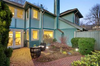 Photo 2: 434 W 14TH Avenue in Vancouver: Mount Pleasant VW Townhouse for sale (Vancouver West)  : MLS®# R2445570