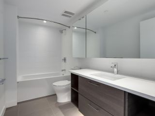 Photo 11: 811 3557 SAWMILL CRESCENT in Vancouver: South Marine Condo for sale (Vancouver East)  : MLS®# R2514341