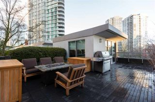 """Photo 1: 1075 EXPO Boulevard in Vancouver: Yaletown Townhouse for sale in """"MARINA POINTE"""" (Vancouver West)  : MLS®# R2253361"""