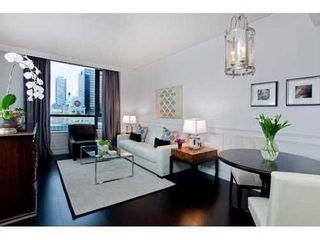 Photo 3: 2304 788 RICHARDS Street in Vancouver West: Downtown VW Home for sale ()  : MLS®# V926163