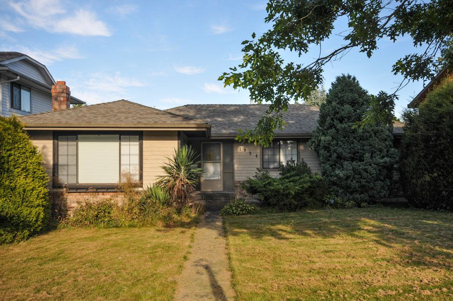 Main Photo: 1954 148th Street in Surrey: Home for sale : MLS®# F1221078