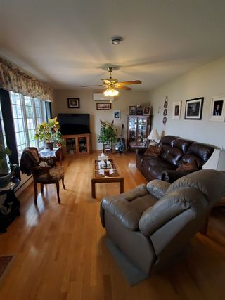 Photo 6: 27 Layton Drive in Howie Centre: 202-Sydney River / Coxheath Residential for sale (Cape Breton)  : MLS®# 202108872