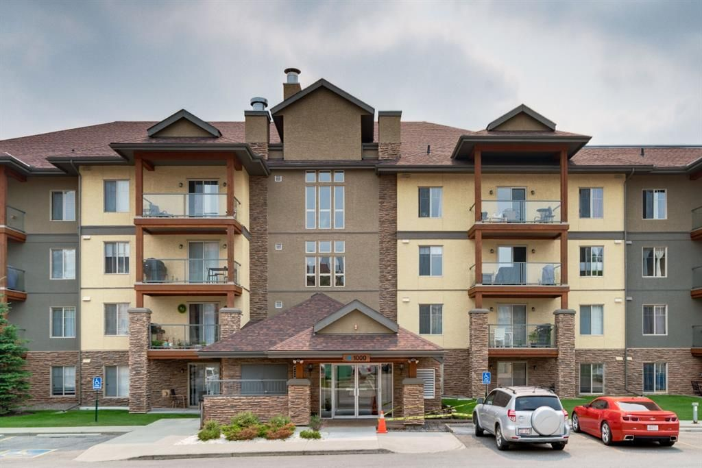 Main Photo: 1302 92 Crystal Shores Road: Okotoks Apartment for sale : MLS®# A1132113