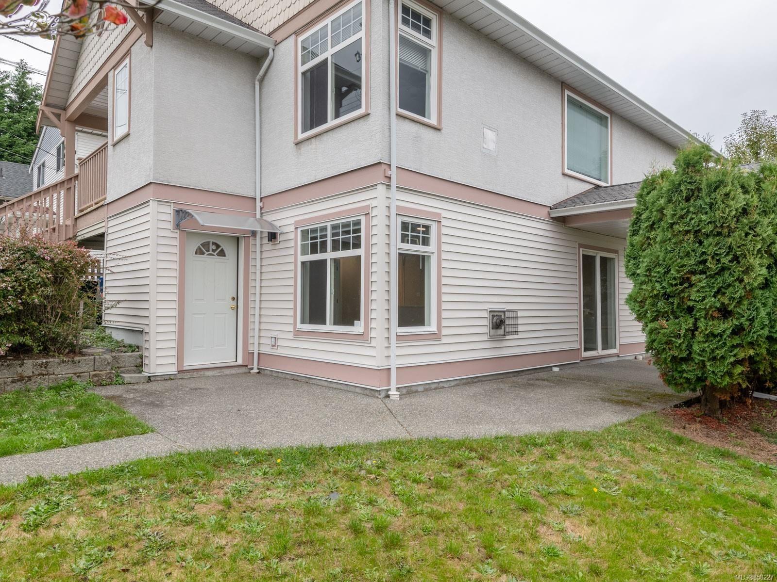 Main Photo: 640 MILTON St in : Na Old City Half Duplex for sale (Nanaimo)  : MLS®# 858227