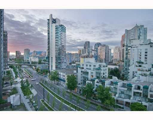 """Photo 2: Photos: 906 1408 STRATHMORE MEWS BB in Vancouver: False Creek North Condo for sale in """"WEST ONE"""" (Vancouver West)  : MLS®# V784813"""