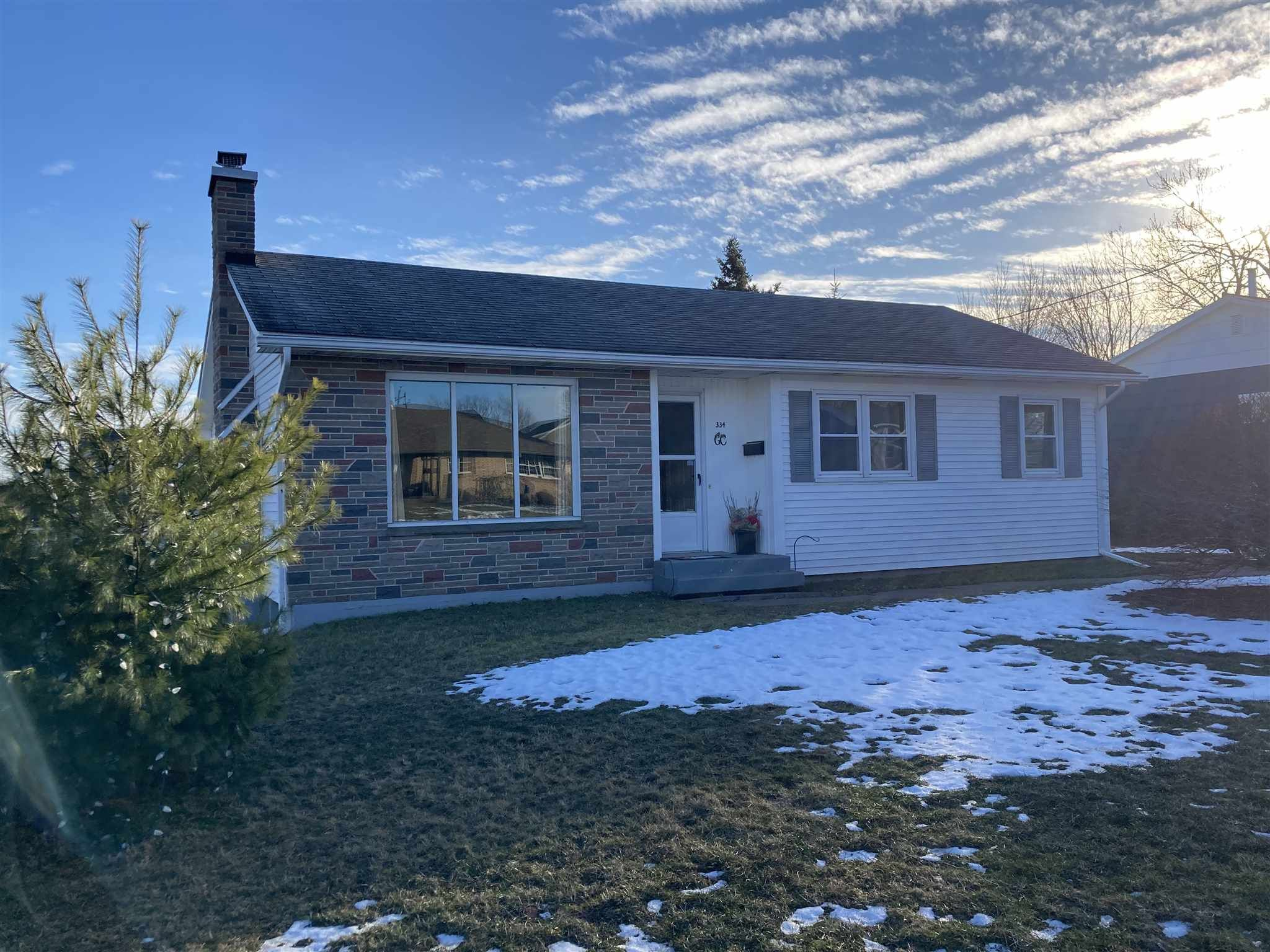 Main Photo: 334 Dunbar Avenue in New Glasgow: 106-New Glasgow, Stellarton Residential for sale (Northern Region)  : MLS®# 202101140