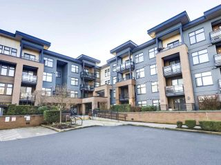 """Photo 2: 109 20068 FRASER Highway in Langley: Langley City Condo for sale in """"Varsity"""" : MLS®# R2574684"""