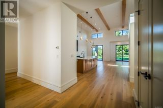 Photo 5: 2355 Lairds Gate in Langford: House for sale : MLS®# 887221