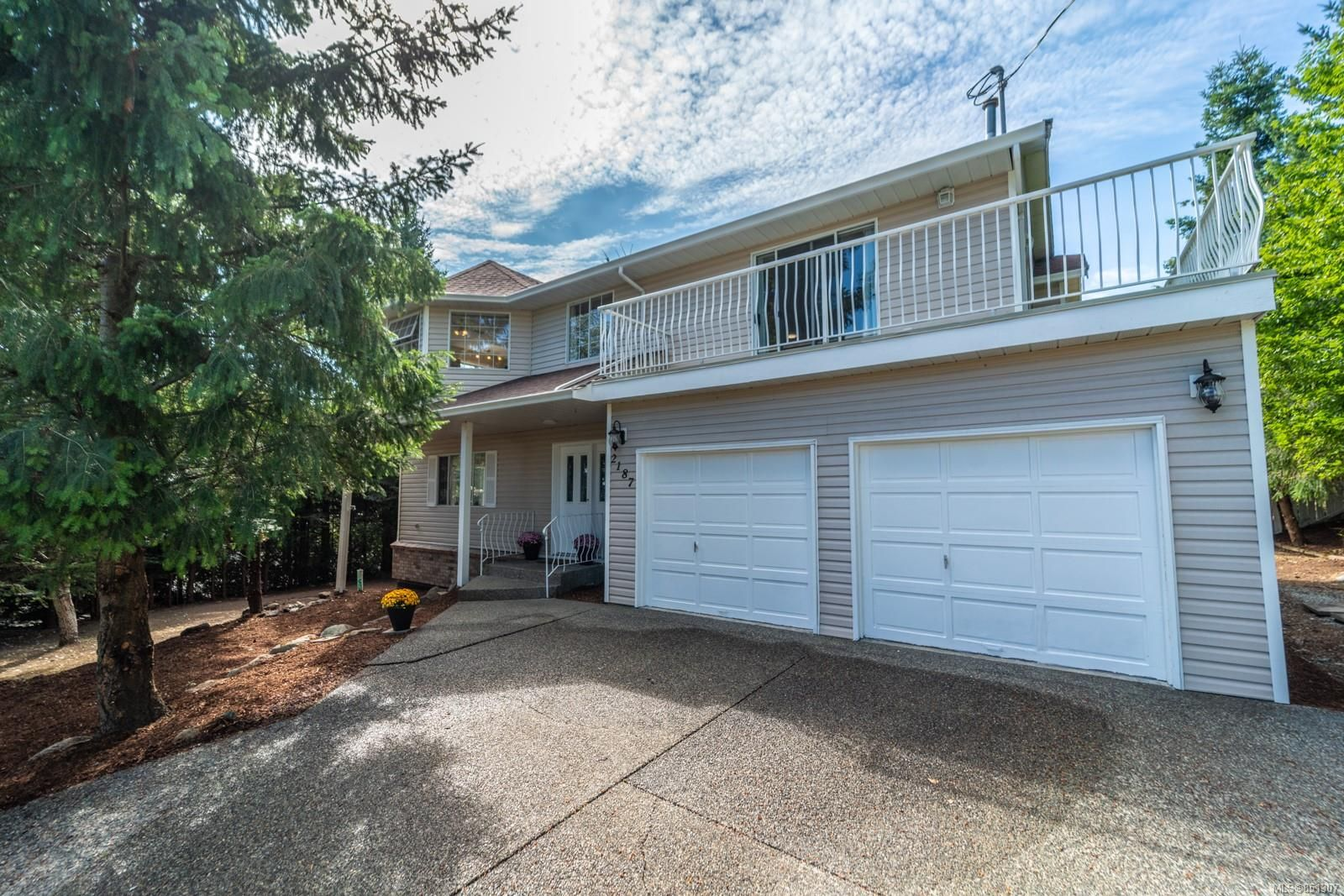 Main Photo: 2187 Stellys Cross Rd in : CS Keating House for sale (Central Saanich)  : MLS®# 851307