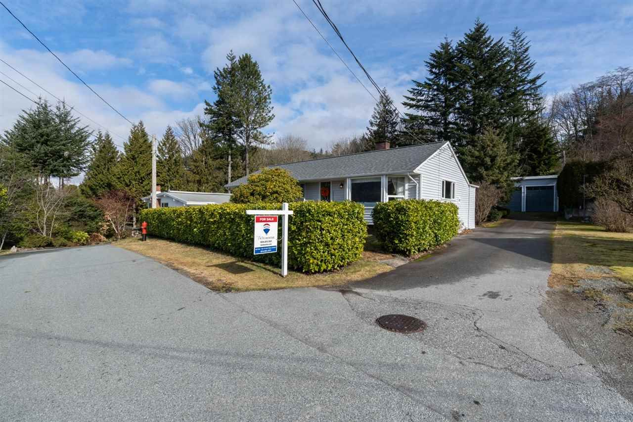 "Main Photo: 38200 HOSPITAL Place in Squamish: Hospital Hill House for sale in ""Hospital Hill"" : MLS®# R2440002"