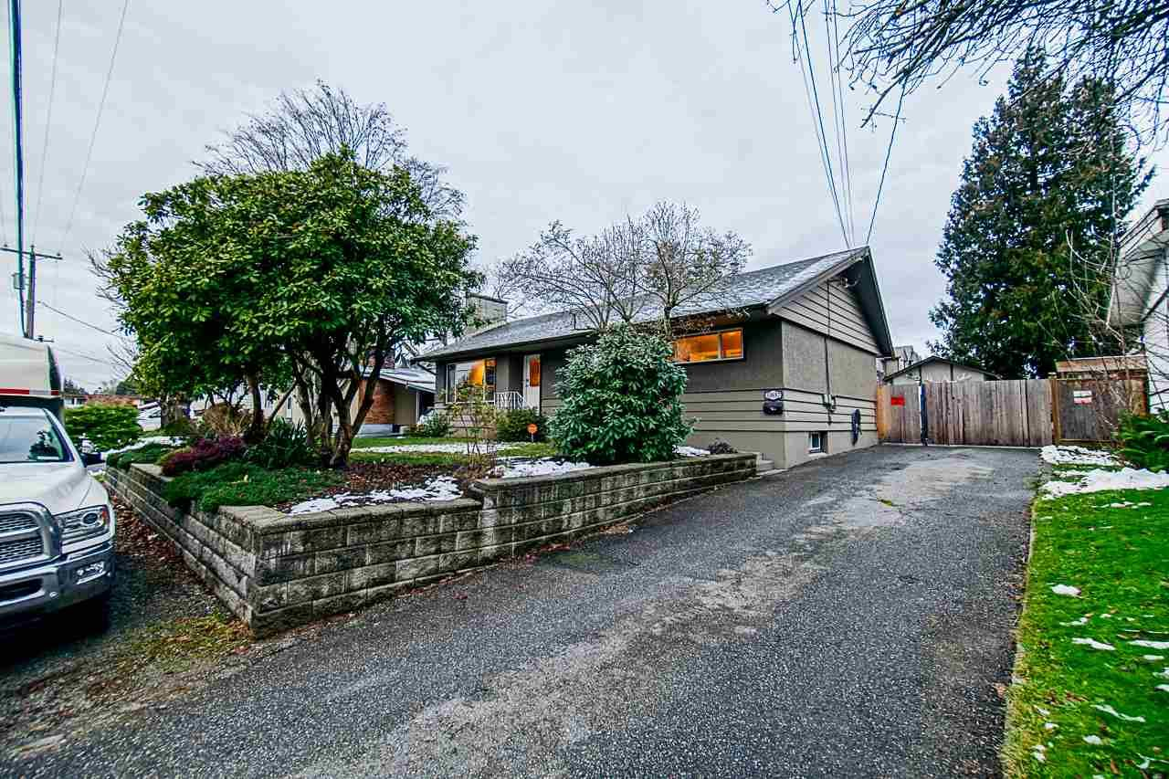 Main Photo: 33857 FERN Street in Abbotsford: Central Abbotsford House for sale : MLS®# R2428345