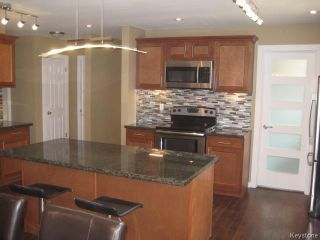 Photo 3: 305 Bonner Avenue in WINNIPEG: North Kildonan Residential for sale (North East Winnipeg)  : MLS®# 1510269