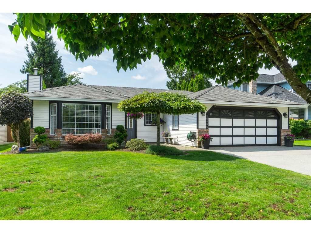 Main Photo: 15466 91A Avenue in Surrey: Fleetwood Tynehead House for sale : MLS®# R2389353