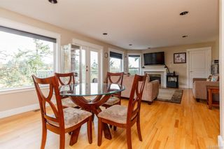 Photo 9: 2219 Highland Rd in View Royal: VR Prior Lake House for sale : MLS®# 746525