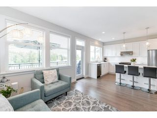 """Photo 17: 17 15717 MOUNTAIN VIEW Drive in Surrey: Grandview Surrey Townhouse for sale in """"Olivia"""" (South Surrey White Rock)  : MLS®# R2572266"""