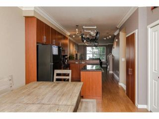 """Photo 10: 52 20460 66TH Avenue in Langley: Willoughby Heights Townhouse for sale in """"WILLOWS EDGE"""" : MLS®# F1418966"""