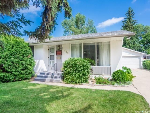 Main Photo: 114 Lindsay Drive in Saskatoon: Greystone Heights Residential for sale : MLS®# SK740220