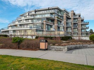 "Photo 1: 211 5665 TEREDO Street in Sechelt: Sechelt District Condo for sale in ""WATERMARK AT SECHELT"" (Sunshine Coast)  : MLS®# R2339124"