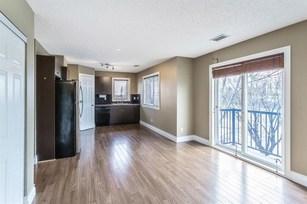Main Photo: 92 92 Erin Woods Court SE in Calgary: Erin Woods Apartment for sale : MLS®# A1153347