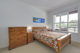 """Photo 10: 401 3205 MOUNTAIN Highway in North Vancouver: Lynn Valley Condo for sale in """"Mill House"""" : MLS®# R2296697"""