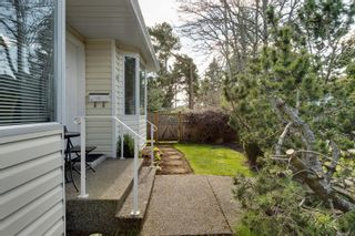 Photo 39: 10193 Fifth St in : Si Sidney North-East Half Duplex for sale (Sidney)  : MLS®# 870750