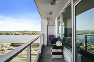 """Photo 4: 1607 668 COLUMBIA Street in New Westminster: Quay Condo for sale in """"TRAPP + HOLBROOK"""" : MLS®# R2584515"""