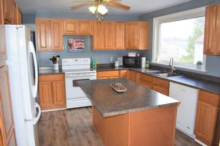 Photo 2: 15 Smith Avenue in Springhill: 102S-South Of Hwy 104, Parrsboro and area Residential for sale (Northern Region)  : MLS®# 202110139