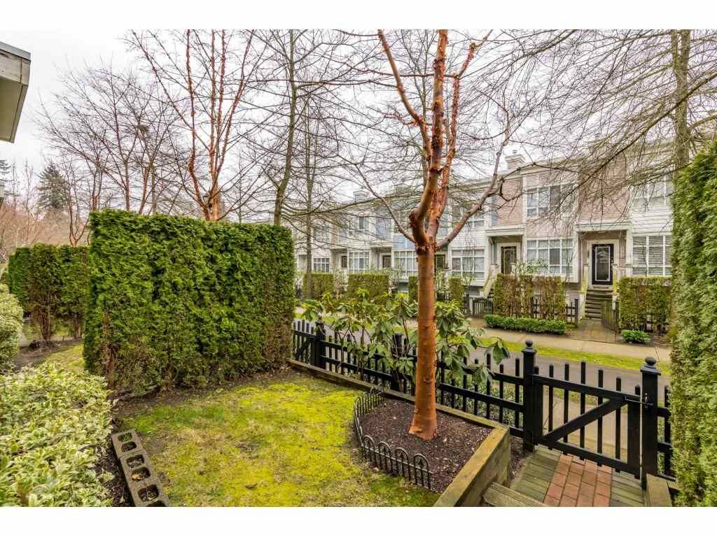 Photo 2: Photos: 6771 VILLAGE GRN in Burnaby: Highgate Townhouse for sale (Burnaby South)  : MLS®# R2439799