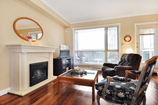 Photo 5: 215 2627 SHAUGHNESSY STREET in Port Coquitlam: Central Pt Coquitlam Condo for sale : MLS®# R2148005