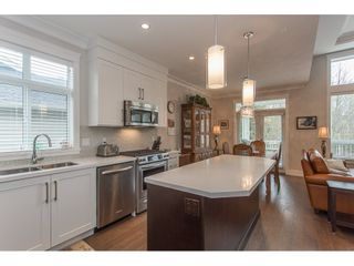 """Photo 4: 2 15989 MOUNTAIN VIEW Drive in Surrey: Grandview Surrey Townhouse for sale in """"HEARTHSTONE IN THE PARK"""" (South Surrey White Rock)  : MLS®# R2163450"""